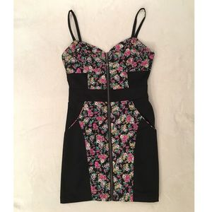 Fitting/stretch GEUSS zip up dress w/ floral print